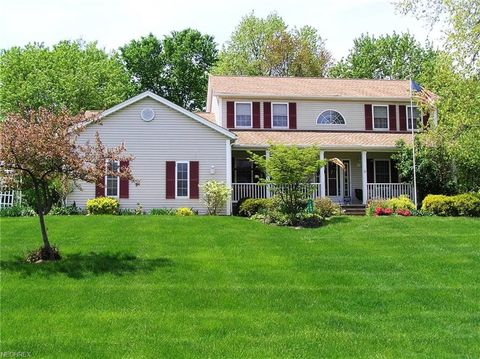7490 Fantail Dr, Northfield Center, OH 44067