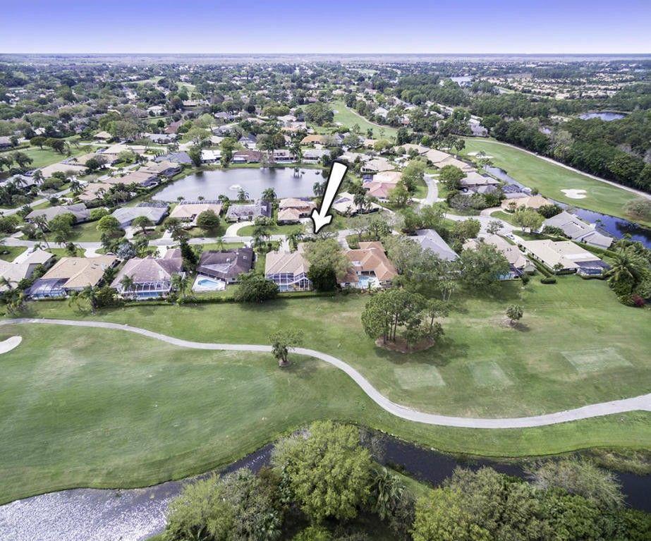 6 Thurston Dr, Palm Beach Gardens, FL 33418