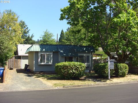 2449 Potter St, Eugene, OR 97405