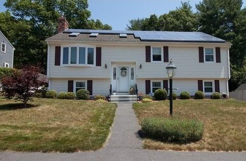 53 Constance Dr, Lowell, MA 01854