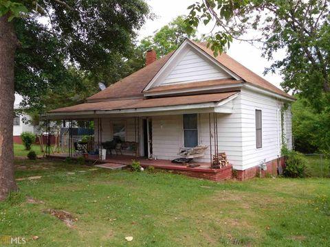 80 Barton Pl, Grantville, GA 30220
