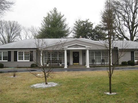 Photo of 5 Kingston Manor Dr, Ladue, MO 63124