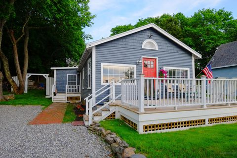 Photo of 10 Atlantic Ave, Boothbay Harbor, ME 04538