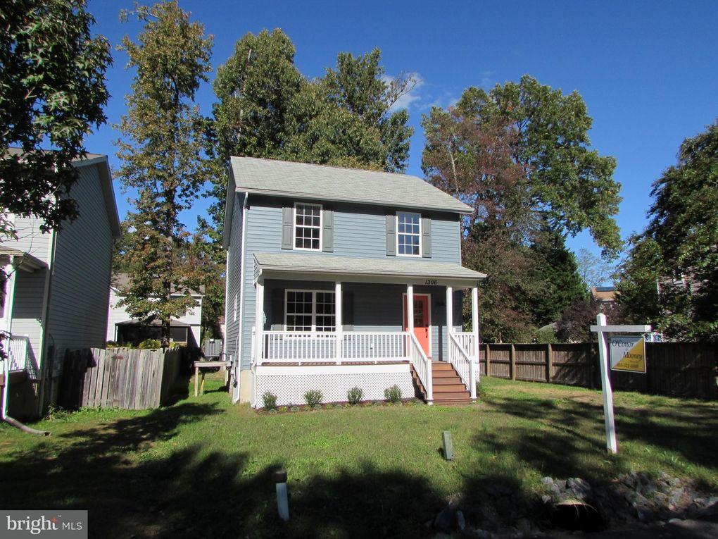 1306 Pine St, Shady Side, MD 20764