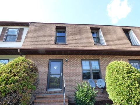 Photo of 112 Marilyn Dr, Mansfield, NJ 07840