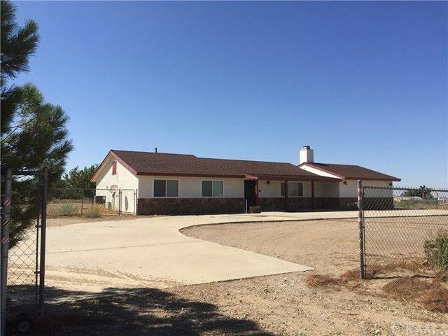 10050 Aster Rd, Oak Hills, CA 92344