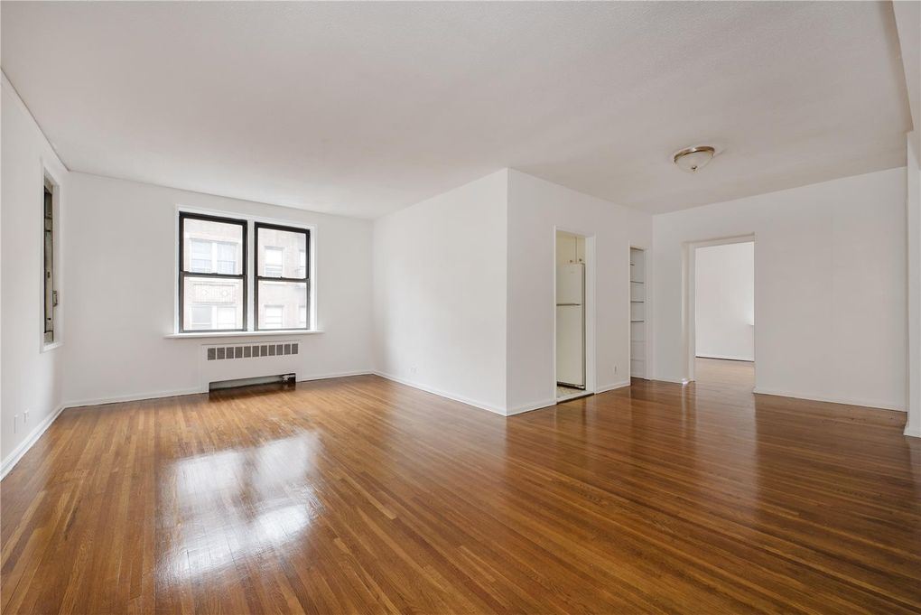 675 Academy St Apt 5 J, New York, NY 10034