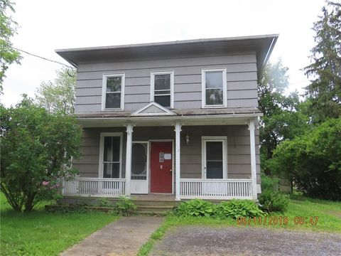 Photo of 112 W Genesee St, Clyde, NY 14433
