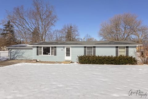 Photo of 102 Chillems Dr, Spring Grove, IL 60081