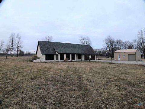 Photo of 375 Sw Highway T, Clinton, MO 64735