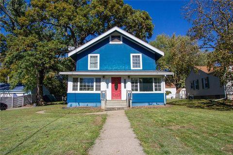 819 Oak Park Ave, Des Moines, IA 50313