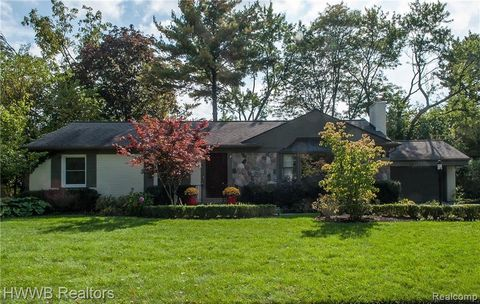 Photo of 18181 Kirkshire Ave, Beverly Hills, MI 48025