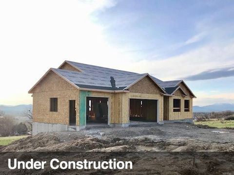 Photo of 685 N 800 E, Hyde Park, UT 84318