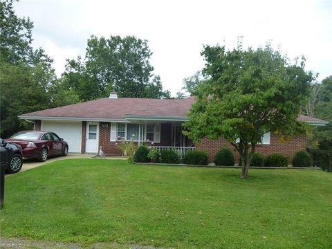 Photo of 316 Laurel Hills Dr, Steubenville, OH 43952