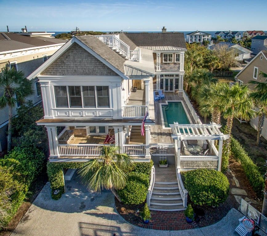 Beach House Isle Of Palms: 516 Carolina Blvd, Isle Of Palms, SC 29451