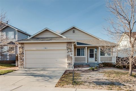 21945 E Lake Pl, Aurora, CO 80015