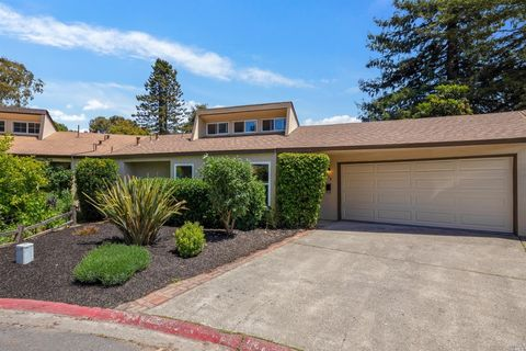 Photo of 938 W 9th St, Santa Rosa, CA 95401