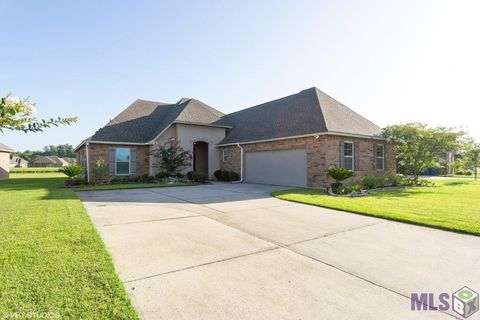 Photo of 4238 Stonewall Dr, Addis, LA 70710