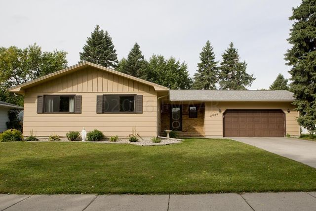 2826 maple st n fargo nd 58102 home for sale real