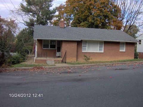 Photo of 1439 Crawford Ave, Harrisonburg, VA 22801