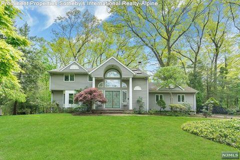 168 Donnybrook Dr, Demarest, NJ 07627