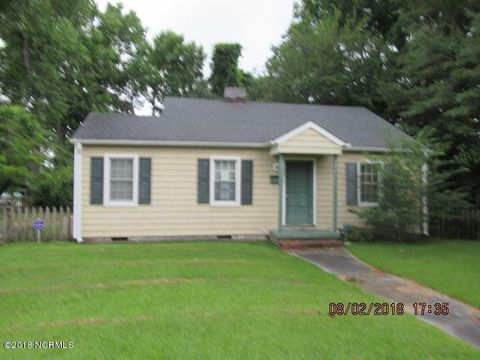 205 Westminister Dr, Jacksonville, NC 28540