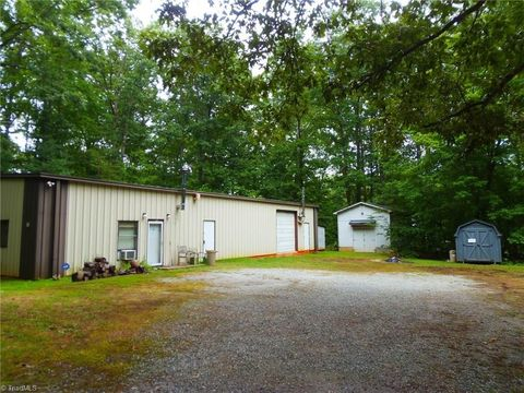 1835 Rayle Farm Rd Pleasant Garden Nc 27313 Home For Sale And Real Estate Listing