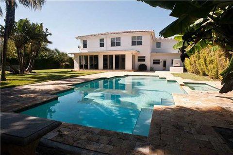 795 Lakeview Dr, Miami Beach, FL 33140