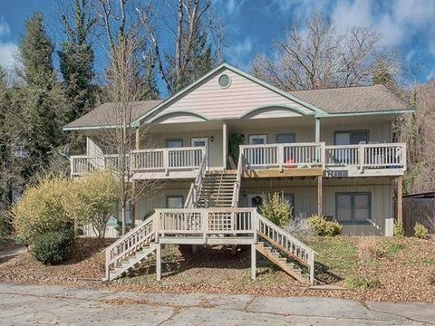 Photo of 788 Eagles Nest Rd Unit C, Waynesville, NC 28786