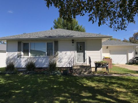 Photo of 812 2nd St W, Morgan, MN 56266