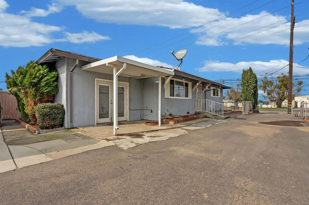 8046 Ash St French Camp, CA 95231