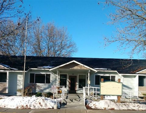 Photo of 302 Fisher St, Cashmere, WA 98815