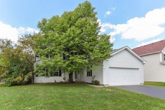 1752 Red Bud Rd Bolingbrook, IL 60490