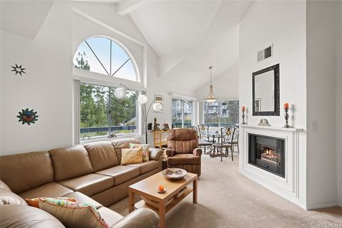 Photo of 26921 Flo Ln Unit 202, Canyon Country, CA 91351