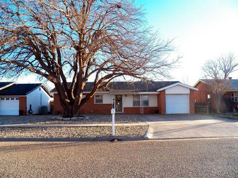 Photo of 1545 W Lynn St, Slaton, TX 79364