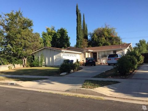23284 Mobile St, West Hills, CA 91307