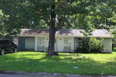 Photo of 305 S Steele Ave, Picayune, MS 39466