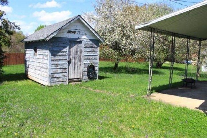 1631 Beech St, Flatwoods, KY 41139