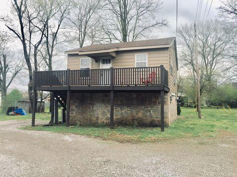 Photo of 449 E Madison St, Pulaski, TN 38478