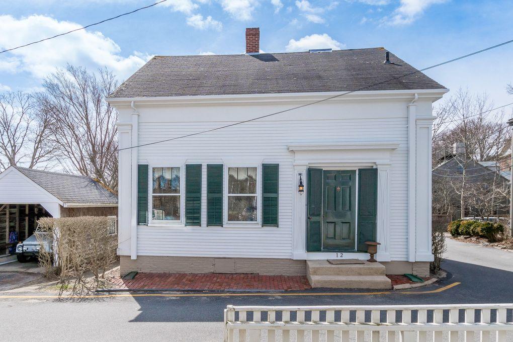 12 Academy Ln, Nantucket, MA 02554 on