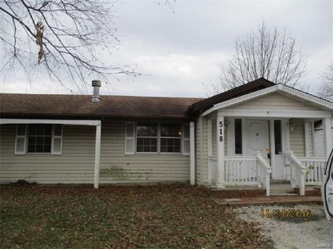 518 E South 3rd St, Red Bud, IL 62278