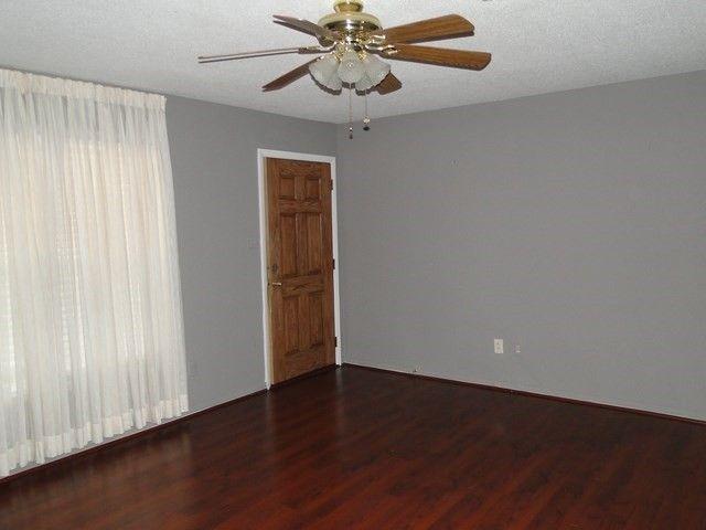 302 Scarborough Rd, Warner Robins, GA 31093