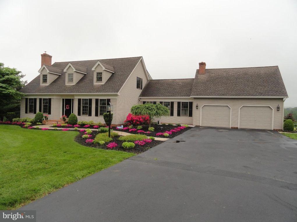 1206 School House Rd Pennsburg, PA 18073