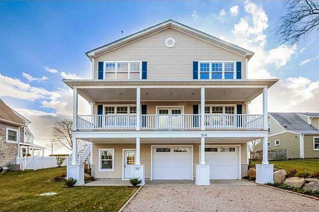 Buttonwoods Ave Warwick Rhode Island