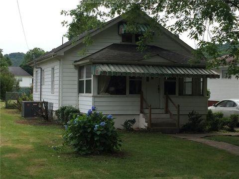 210 Jarvis Rd, Elkview, WV 25302