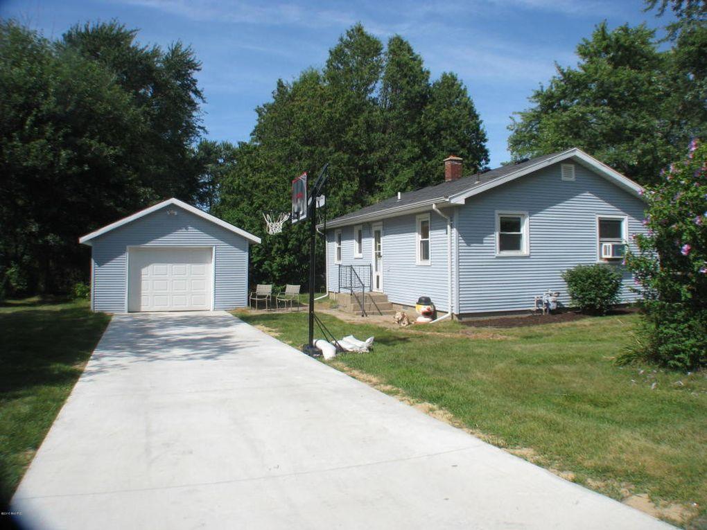 1654 Johnson Ave, Benton Harbor, MI 49022