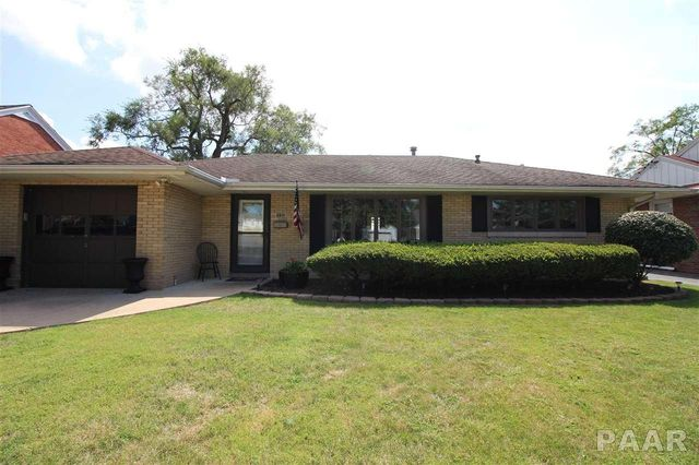 1102 w stratford dr peoria il 61614 home for sale and for Bath remodel peoria il