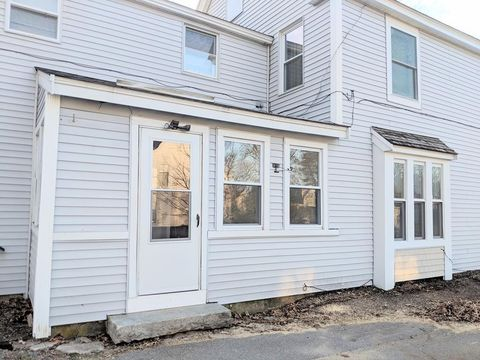 Photo of 15 Leighton St Unit 2, Pepperell, MA 01463