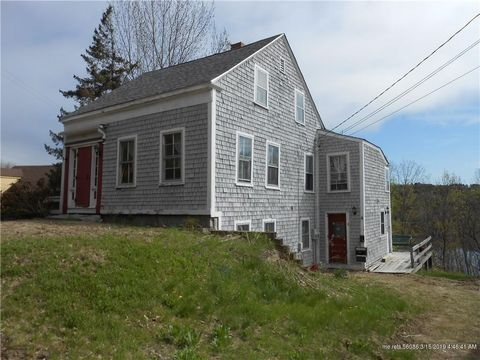 Photo of 318 Water St, Hallowell, ME 04346