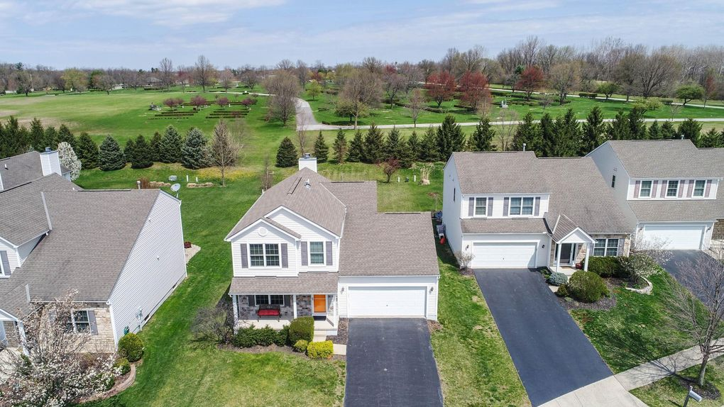 126 Olentangy Meadows Dr, Lewis Center, OH 43035